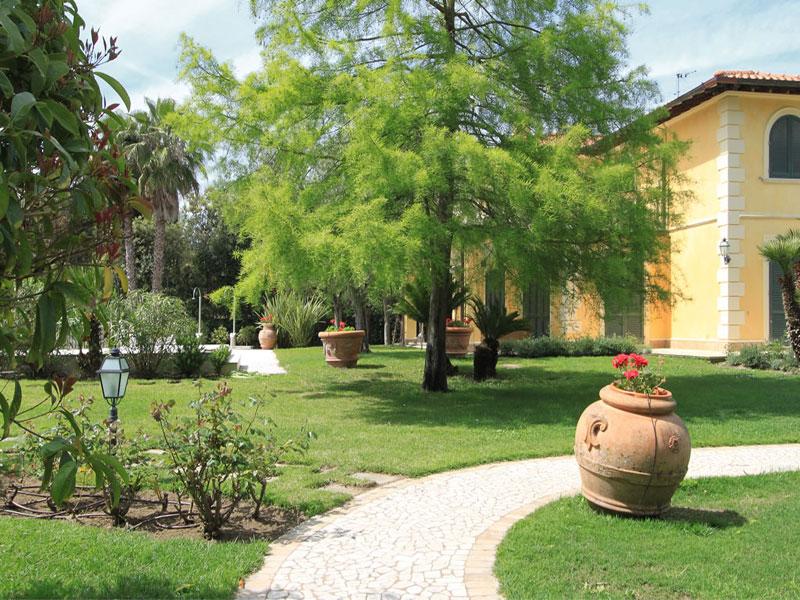 Mostra mercato evergreenforte l 39 arte del giardino l 39 arte nel giardino a forte dei marmi - Il giardino forte dei marmi ...